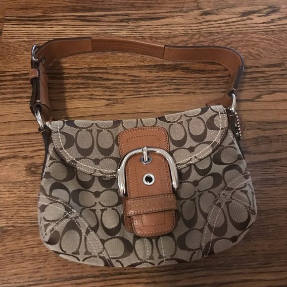 Coach Handbags - Coach purse with buckle detail